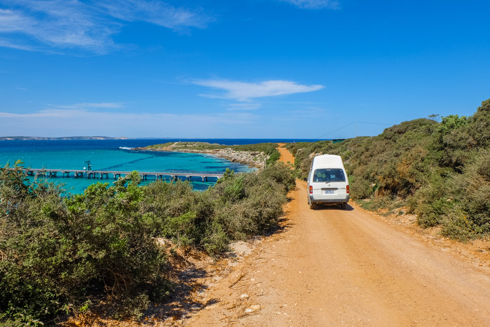 Tips: 12 Things You Need to Pack for an Australian Road Trip
