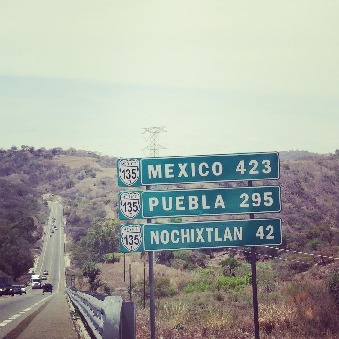 Na południe Meksyku, niebieskim Chevroletem