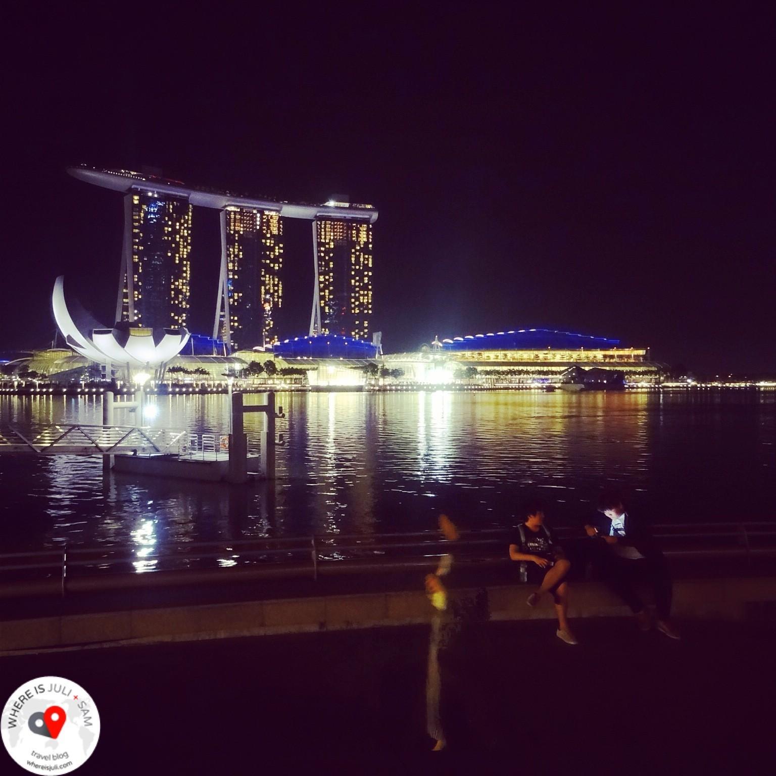 SINGAPUR: A po zmroku w Singapurze…