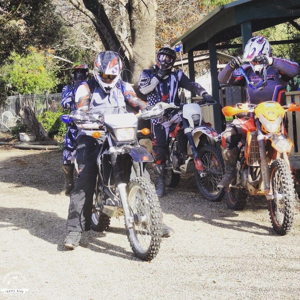 motocyklem do lasu