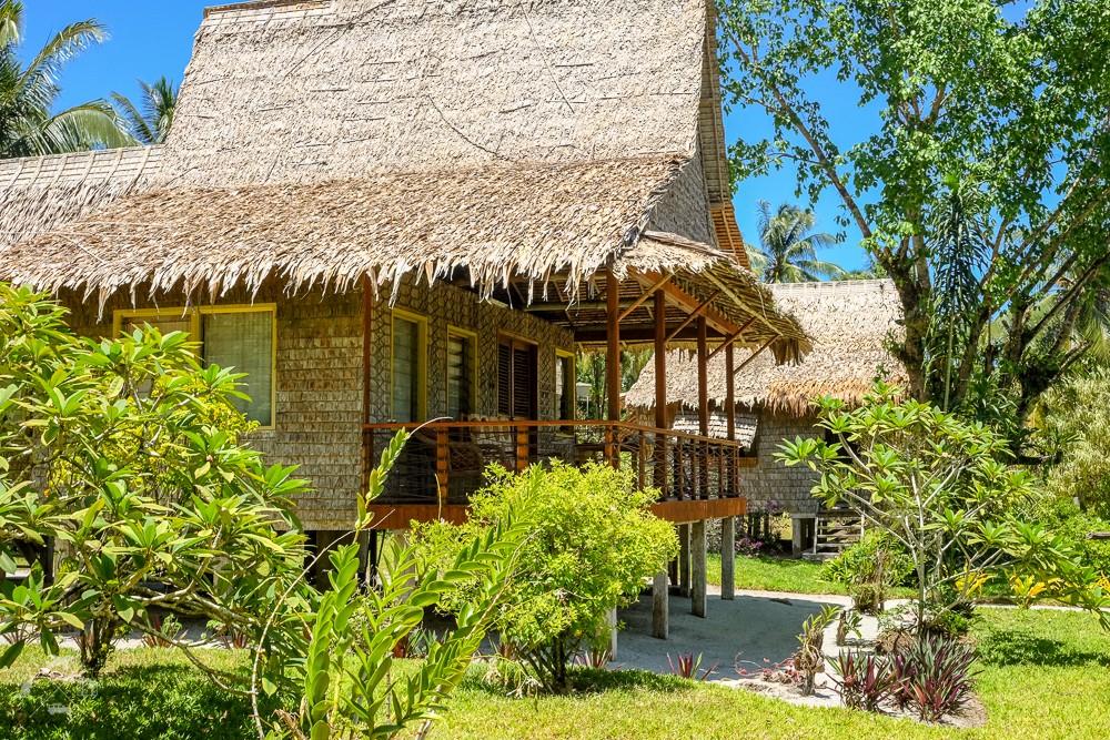 Bungalow w kurorcie Zipolo Habu na Wyspie Lolo